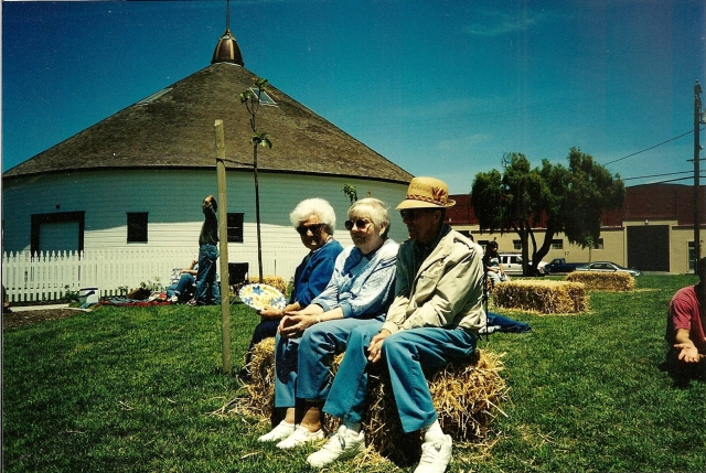 Bob, Baby and Maria in front of the barn 2000