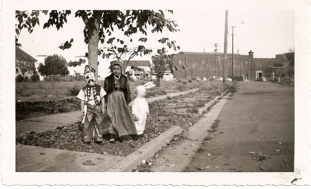 Aileen Michetti and friends on Boyce1952