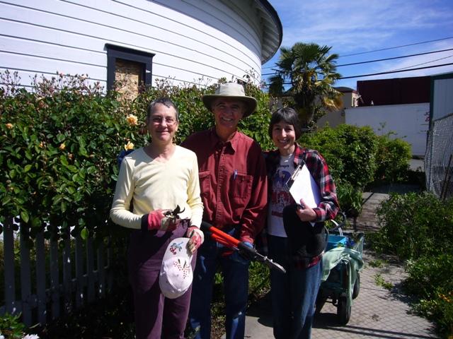 Gina, Dan & Lea Barron-Thomas