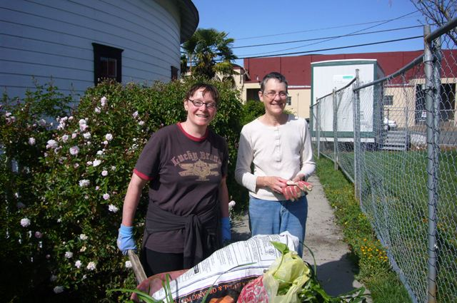 Cesca Wellman & Gina rescue plants to share