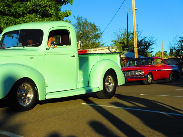 Peggy Sue\'s Downtown Cruise