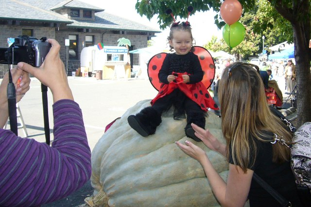 Railroad SCARE- Atop a giant pumpkin