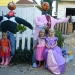 3 princesses adn 2 scarecrows