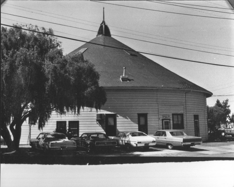 De Turk Round Barn, 1970, Courtesy of So. Co. Library