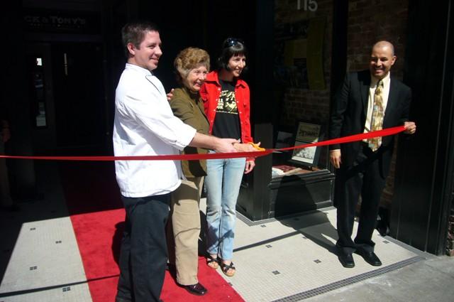Vice Mayor Vas Dupre cuts Ribbon