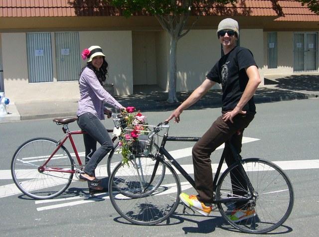 Melissa & Kelly return from  Rose Parade