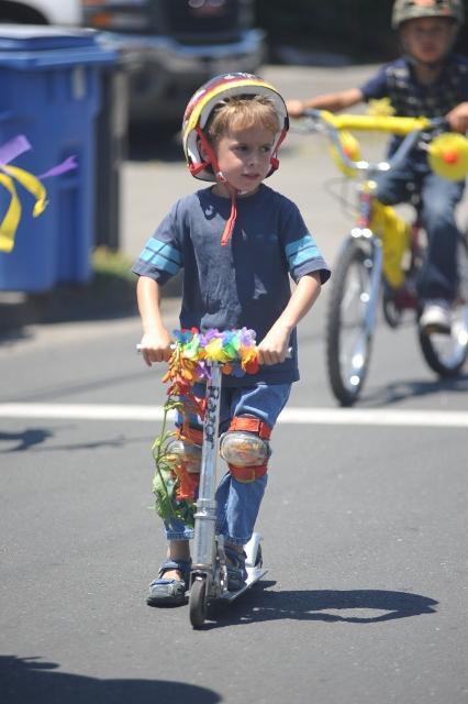 bbq-bike-parade-2011-034-426x640wb