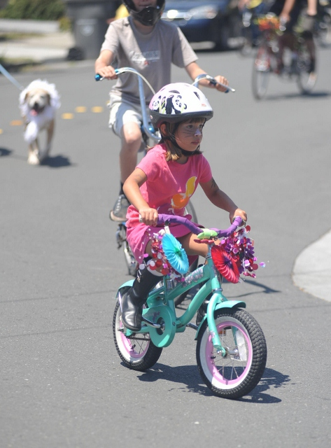 bbq-bike-parade-2011-035-473x640wb