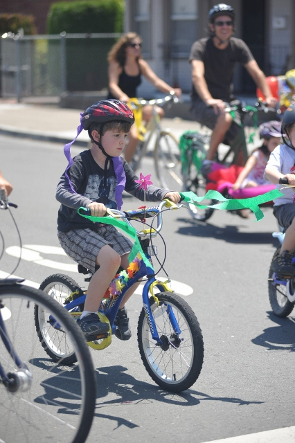 bbq-bike-parade-2011-036-426x640wb