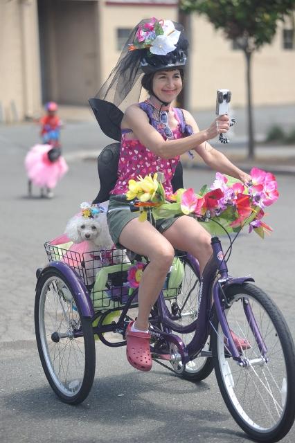 bbq-bike-parade-2011-043-426x640