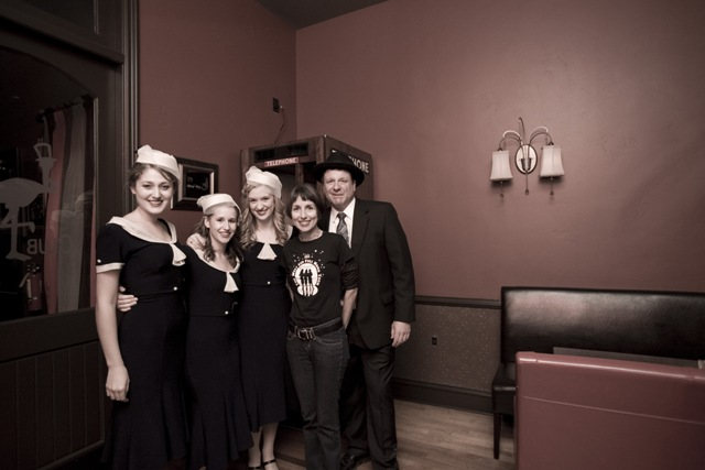 The Fondettes with fans Lea & Allen- S. Kerns