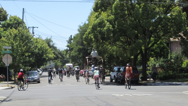 Now THAT\'s a bicycle boulevard!