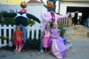 3 princesses & 2 scarecrows