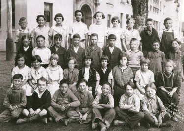 Paul Pasero Jr. class in 1925 at Lincoln School 8th & Davis St.