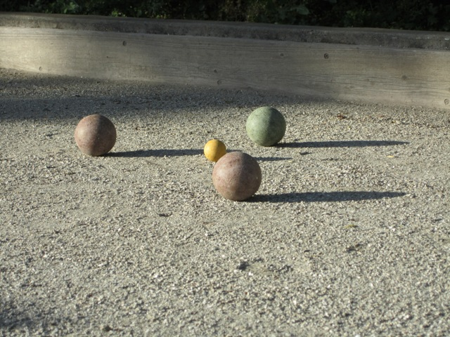 Bocce, fiddle hooper and New flashes