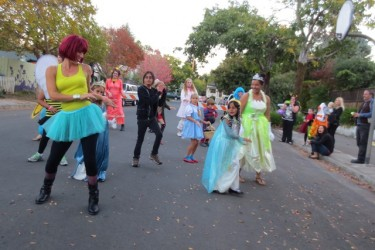 Learn the Thriller Dance for the West End Halloween Parade